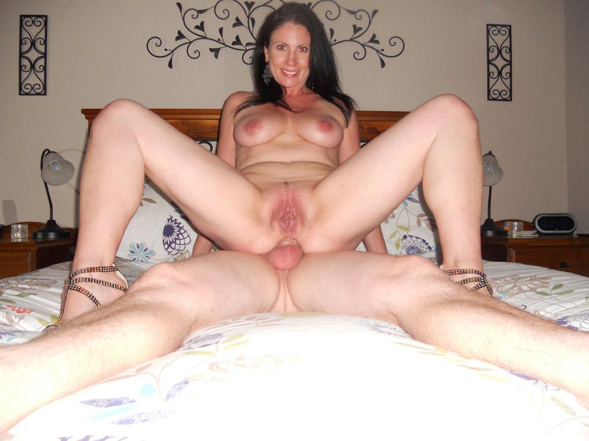 Hot brunette milf deep anal
